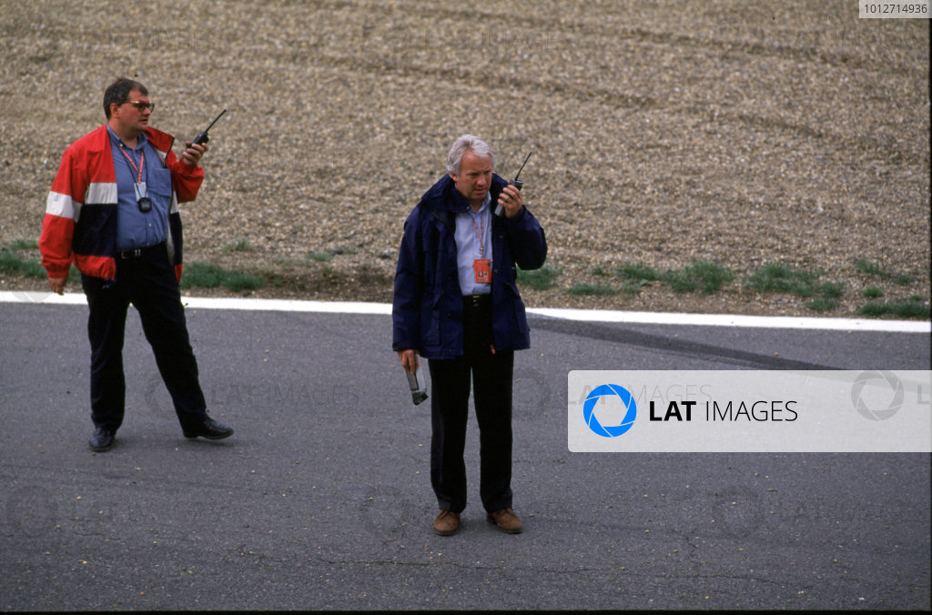 1998 Belgian Grand Prix.Spa-Francorchamps, Belgium. 28-30 August 1998.FIA Race Director and Safety Delegate Charles Whiting supervises work on the circuit.World Copyright - LAT Photographic