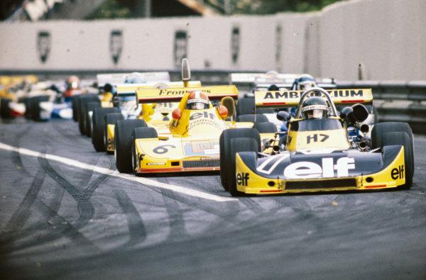 Jacques Laffite, Martini Mk16 BMW/Schnitzer, leads Jean-Pierre Jabouille, Elf 2J BMW/Schnitzer.