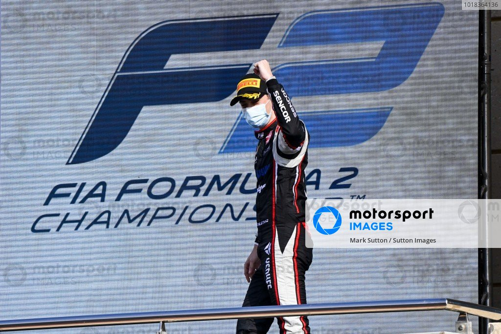 Louis Deletraz (CHE, CHAROUZ RACING SYSTEM) celebrates on the podium