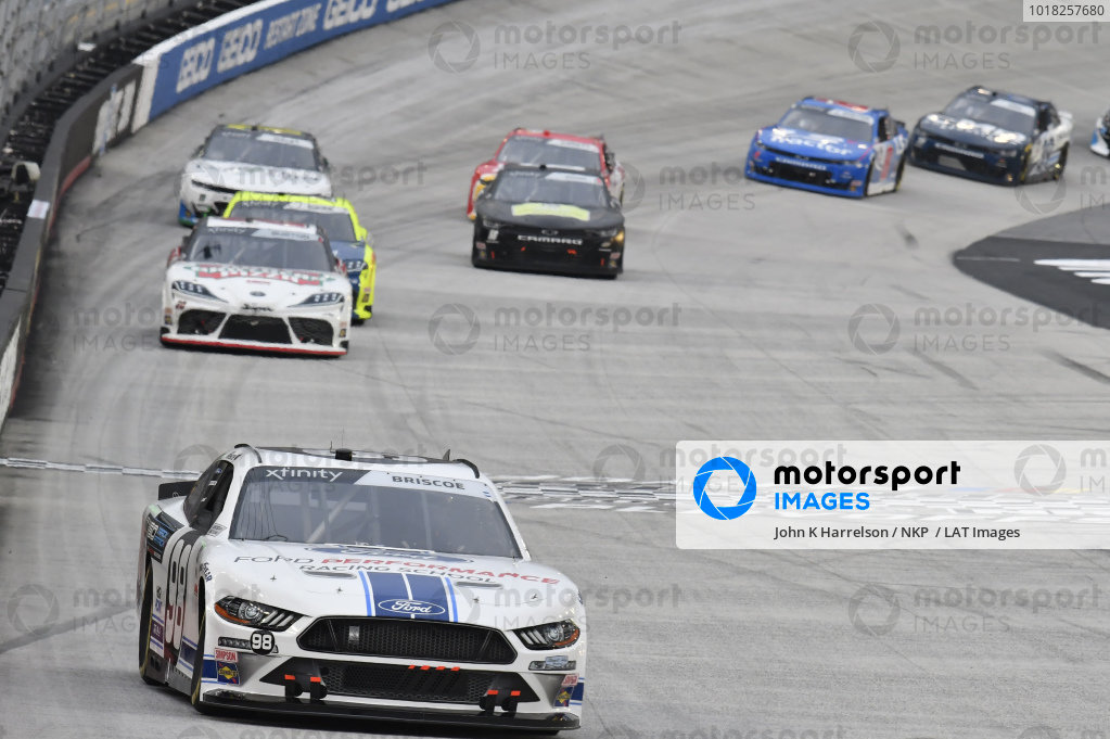 #98: Chase Briscoe, Stewart-Haas Racing, Ford Mustang Ford Performance Racing School, #20: Harrison Burton, Joe Gibbs Racing, Toyota Supra Hunt Brothers Pizza/DEX Imaging