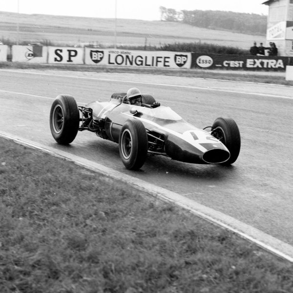 1963 French Grand Prix.Reims, France.28-30 May 1963.Tony Maggs (Cooper T66 Climax) 2nd position.Ref-20138.World Copyright - LAT Photographic