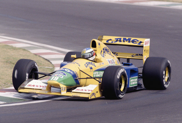 1992 Mexican Grand Prix. Mexico City, Mexico. 20-22 March 1992. Michael Schumacher (Benetton B191B Ford). Ref-92 MEX 19. World Copyright - LAT Photographic