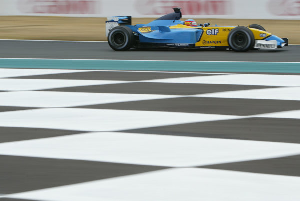 2003 French Grand Prix - Friday 1st Qualifying, Magny-Cours, France.4th July 2003.Fernando Alonso, Renault R23, action.World Copyright LAT Photographic.Digital Image Only.