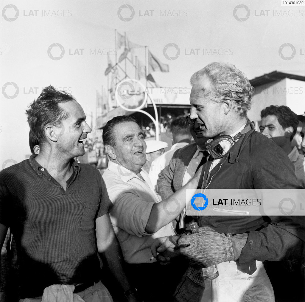 1958 Moroccan Grand Prix. Ain-Diab, Casablanca, Morocco. 17th - 19th October 1958. Mike Hawthorn (Ferrari Dino 246), 2nd position with Phil Hill (BRM 25), 3rd position, portrait.  World Copyright: LAT Photographic.  Ref:  2525.