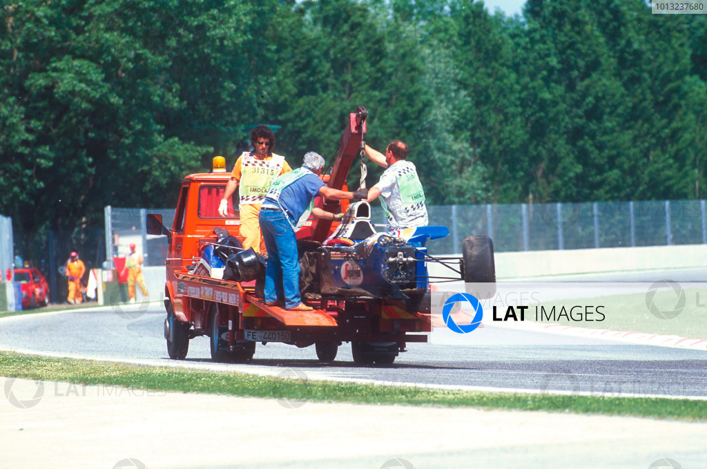 Imola, Italy.29/4-1/5 1994.Ayrton Senna's wrecked Williams FW16 Renault chassis is transported away. Ref-94 SM 22.World Copyright - LAT Photographic