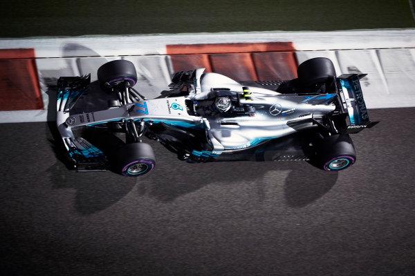 Yas Marina Circuit, Abu Dhabi, United Arab Emirates. Friday 24 November 2017. Valtteri Bottas, Mercedes F1 W08 EQ Power+. World Copyright: Steve Etherington/LAT Images  ref: Digital Image SNE10528