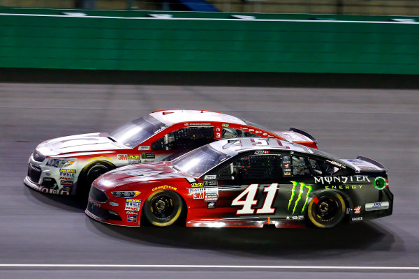 Monster Energy NASCAR Cup Series Quaker State 400 Kentucky Speedway, Sparta, KY USA Saturday 8 July 2017 Kurt Busch, Stewart-Haas Racing, Haas Automation/Monster Energy Ford Fusion and Kyle Larson, Chip Ganassi Racing, Target Chevrolet SS World Copyright: Russell LaBounty LAT Images