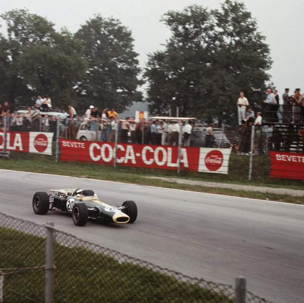 Monza, Italy. 2-4 September 1966.Jim Clark (Lotus 43 BRM) in practice.Ref-3/2364.World Copyright - LAT Photographic