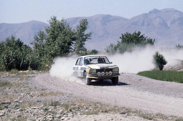 1976 World Rally Championship.Rallye du Maroc, Morocco. 22-27 June 1976.Jean-Pierre Nicolas/Michel Gamet (Peugeot 504), 1st position.World Copyright: LAT PhotographicRef: 35mm transparency 76RALLY05