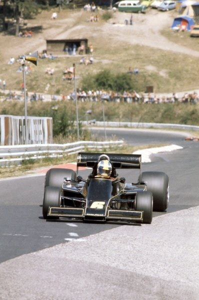 1976 German Grand Prix. Nurburgring, Germany. 30th July - 1st August 1976. Gunnar Nilsson (Lotus 77-Ford) 5th position, action. World Copyright: LAT Photographic. Ref: 35mm Colour Transparency.