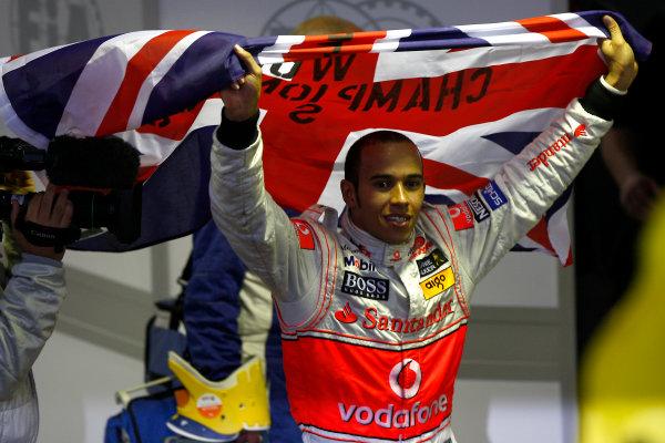 Interlagos, Sao Paulo, Brazil2nd November 2008Lewis Hamilton, McLaren MP4-23 Mercedes, 5th position, celebrates his drivers crown. Portrait. World Copyright: Andrew Ferraro / LAT Photographic  ref: Digital Image _H0Y0383