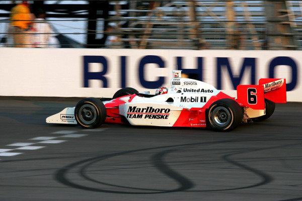 Sam Hornish Jr. (USA), Marlboro Team Penske Dallara Toyota, crashed out whilst in second place. IRL IndyCar Series, Rd7, Suntrust Indy 300, Richmond International Raceway, Richmond, Virginia, USA. 24-25 June 2005. DIGITAL IMAGE