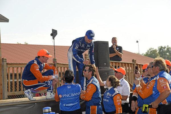 Scott Dixon, Chip Ganassi Racing Honda and Felix Rosenqvist, Chip Ganassi Racing Honda celebrate a 1-2 with their crew