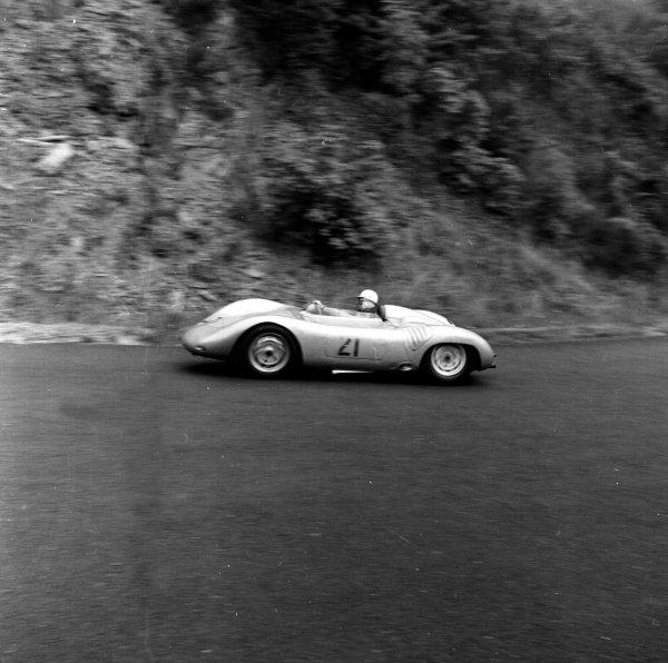 1958 German Grand Prix.Nurburgring, Germany.1-3 August 1958.Edgar Barth (Porsche RSK with enclosed bodywork), Formula 2 class.Ref-2257.World Copyright - LAT Photographic