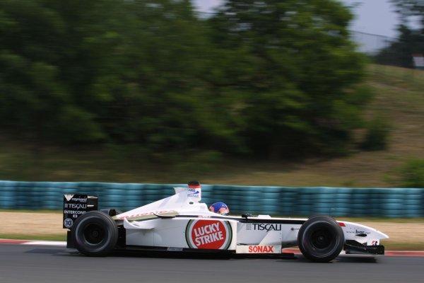 2001 Hungarian Grand Prix -Friday PracticeHungaroring, Budapest, Hunagry. 17th August 2001Jacques Villeneuve, BAR Honda BAR003, action.World Copyright - LAT Photographicref: 8 9 MB Digital File Only