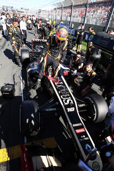 Romain Grosjean (FRA) Lotus E20 on the grid. Formula One World Championship, Rd1, Australian Grand Prix, Race, Albert Park, Melbourne, Australia, Sunday 18 March 2012.