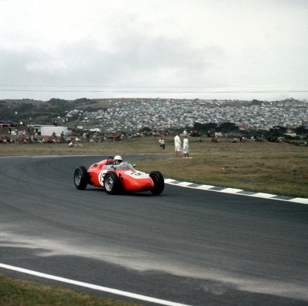 East London, South Africa.27-29 December 1962.Count Carel Godin de Beaufort (Porsche 718).Ref-3/0757.World Copyright - LAT Photographic