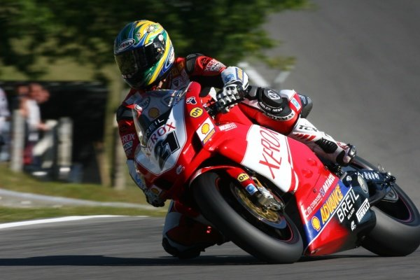 2007 World Superbike Championship. Brands Hatch, England. 3rd - 5th August 2007. Troy Bayliss, Ducati F07, action. World Copyright: Kevin Wood/LAT Photographic ref: Digital Image