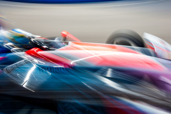 2015/2016 FIA Formula E Championship. Testing, Punta del Este, Uruguay. Sunday 20 December 2015. Bruno Senna (BRA), Mahindra Racing M2ELECTRO. Photo: Zak Mauger/LAT/Formula E ref: Digital Image _L0U0282