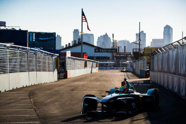 2016/2017 FIA Formula E Championship. Round 10 - New York City ePrix, Brooklyn, New York, USA. Sunday 16 July 2017. Oliver Turvey (GBR), NextEV NIO, Spark-NEXTEV, NEXTEV TCR Formula 002. Photo: Sam Bloxham/LAT/Formula E ref: Digital Image _J6I4152