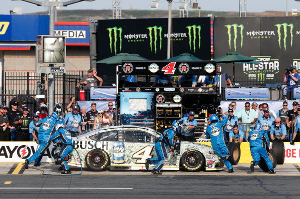 Monster Energy NASCAR Cup Series Monster Energy NASCAR All-Star Race Charlotte Motor Speedway, Concord, NC USA Friday 19 May 2017 Kevin Harvick, Stewart-Haas Racing, Busch Bucks Ford Fusion World Copyright: Matthew T. Thacker LAT Images ref: Digital Image 17CLT1mt1339