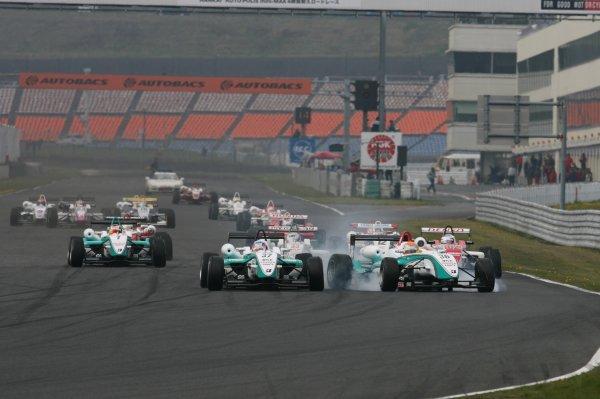 2008 Japanese F3 ChampionshipRound 3 - Autopolis, Japan. 26th - 27th April 2008Start of the race.World Copyright: Masahide Kamio / LAT Photographicref: Digital image 2008JF3_R3&4_001