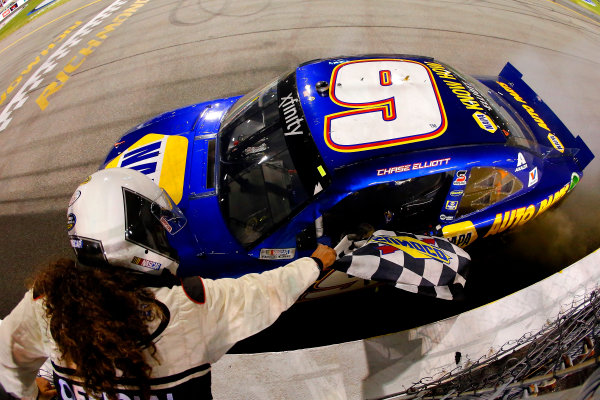 10-11 September, 2015, Richmond, Virginia USA Chase Elliott celebrates his win  ?2015, Russell LaBounty LAT Photo USA