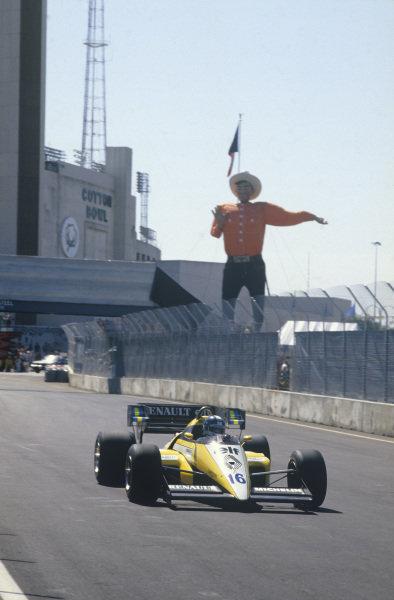 Fair Park, Dallas, Texas, USA. 6th - 8th July 1984.Derek Warwick (Renault RE50), retired, action. World Copyright: LAT Photographic.Ref:  84USD