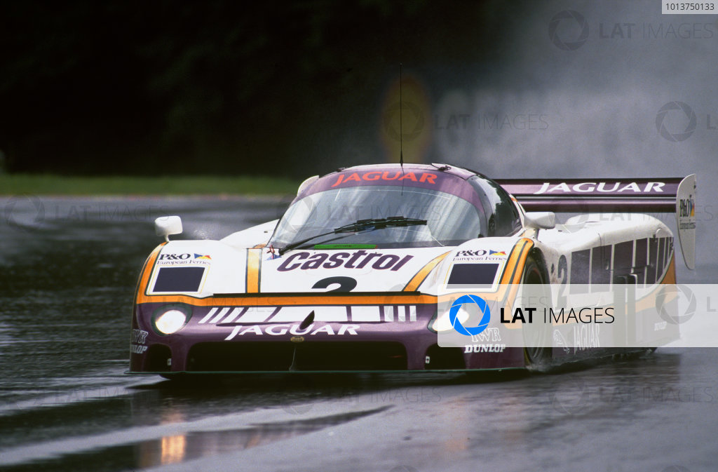 Spa-Francorchamps, Belgium. 18th September 1988. Rd 9.Jan Lammers/Martin Brundle/Johnny Dumfries (Jaguar XJR-9), 2nd position, action. World Copyright: LAT Photographic.Ref:  88SPA05