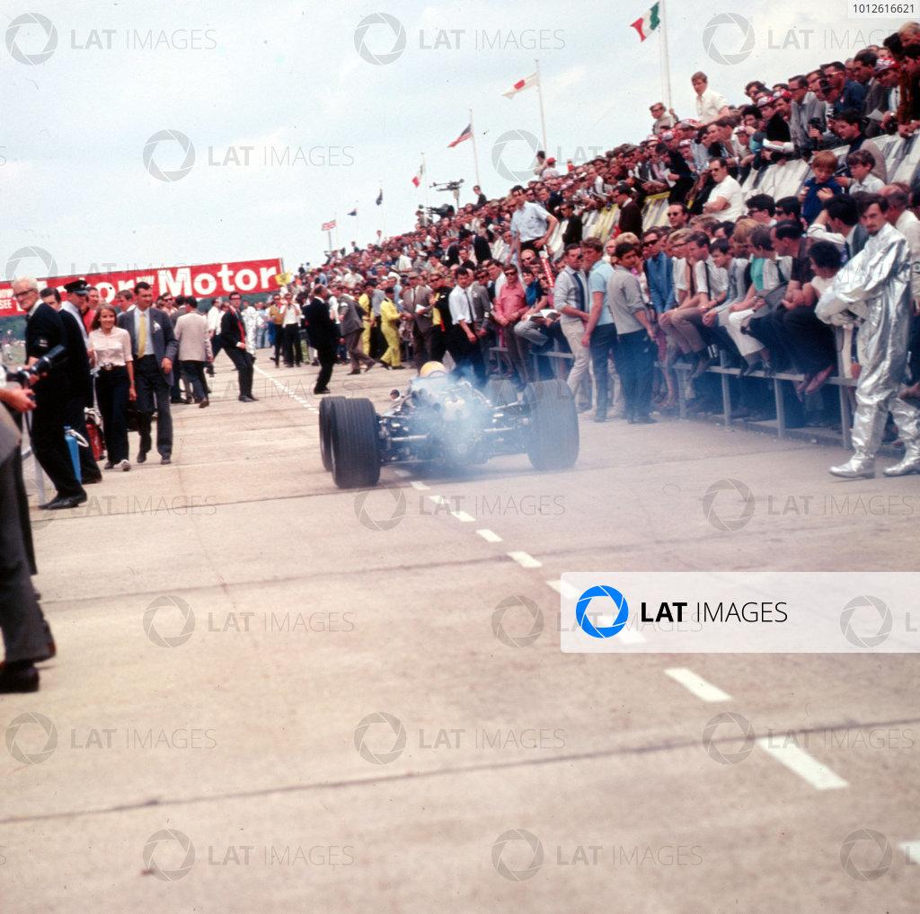 Silverstone, England.13-15 July 1967.The pit lane.Ref-3/3061.World Copyright - LAT Photographic