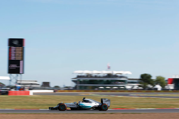 Silverstone Circuit, Northamptonshire, England. Friday 3 July 2015. Lewis Hamilton, Mercedes F1 W06 Hybrid. World Copyright: Andrew Ferraro/LAT Photographic ref: Digital Image _FER0313