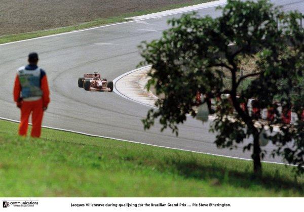 1998 Brazilian Grand Prix.Interlagos, Sao Paulo, Brazil.27-29 March 1998.Jacques Villeneuve (Williams FW20 Mecachrome).World Copyright - Steve Etherington/LAT Photographic