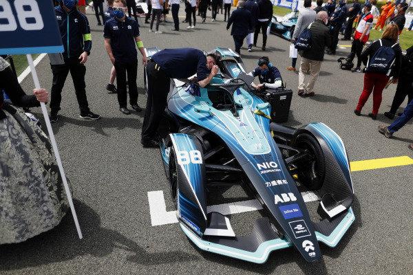 The car of Tom Blomqvist (GBR), NIO 333, NIO 333 001, on the grid