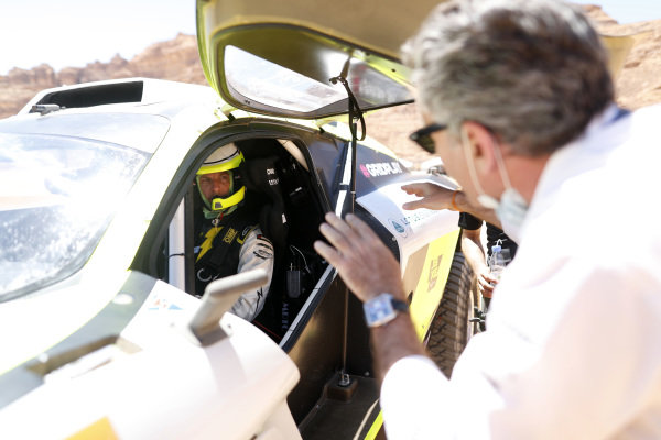Alejandro Agag, CEO, Extreme E, talks to Jenson Button (GBR), JBXE Extreme-E Team