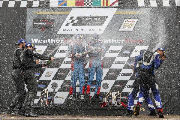 #61 Roadshagger Racing by eEuroparts.com Audi RS3 LMS TCR, TCR: Gavin Ernstone, Jon Morley, #98 Byan Herta Autosport W Curb-Agajanian Hyundai Veloster N TCR, TCR: Mark Wilkins, Michael Lewis, #12 eEuroparts.com ROWE Racing Audi RS3 LMS TCR, TCR: Russell McDonough, Ryan Nash, podium, champagne