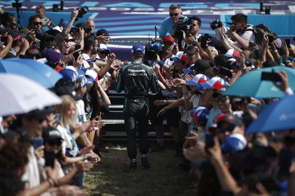 Mitch Evans (NZL), Panasonic Jaguar Racing walks to the podium