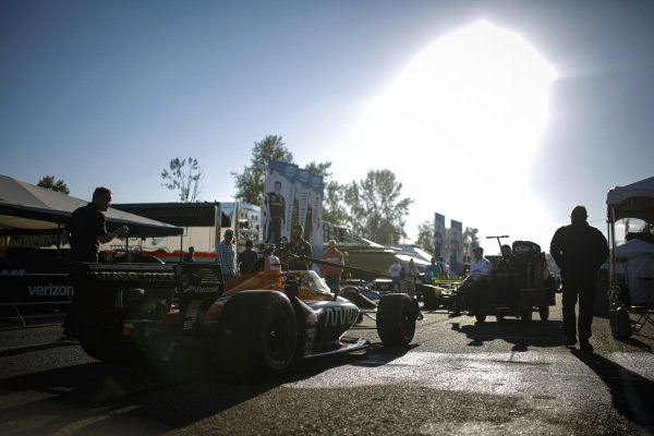 #5: Pato O'Ward, Arrow McLaren SP Chevrolet, crew members