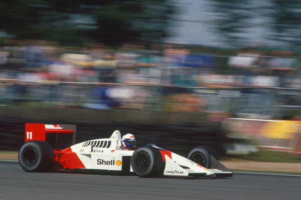 Silverstone, England. 8th - 10th July 1988. Alain Prost (McLaren MP4/4-Honda), retired, action.  World Copyright: LAT Photographic. Ref: 88GB05