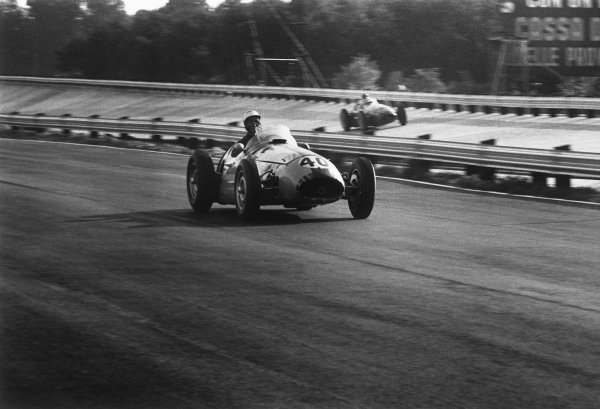 Monza, Italy. 9th - 11th September 1955.John Fitch (Maserati 250F), 9th position, action. World Copyright: LAT Photographic.Ref:  B/W Print.