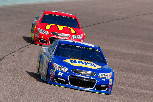 Monster Energy NASCAR Cup Series Ford EcoBoost 400 Homestead-Miami Speedway, Homestead, FL USA Friday 17 November 2017 Chase Elliott, Hendrick Motorsports, NAPA Chevrolet SS and Jamie McMurray, Chip Ganassi Racing, McDonald's Chevrolet SS World Copyright: Russell LaBounty LAT Images