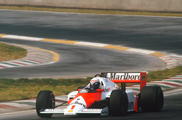 1986 Mexican Grand Prix  Mexico City, Mexico. 9-12th October 1986.  Alain Prost, McLaren MP4-2C TAG, 2nd position.  Ref: 86MEX37. World copyright: LAT Photographic