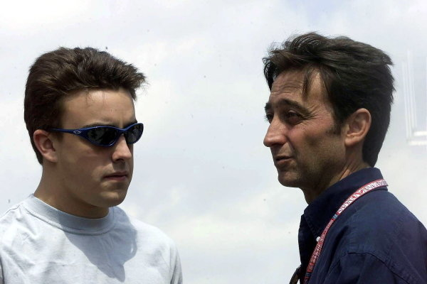 L-R: Fernando Alonso(ESP) European Minardi PS01, Adrian Campos (ESP)  Spanish Grand Prix, Barcelona 26 April 2001 DIGITAL IMAGE