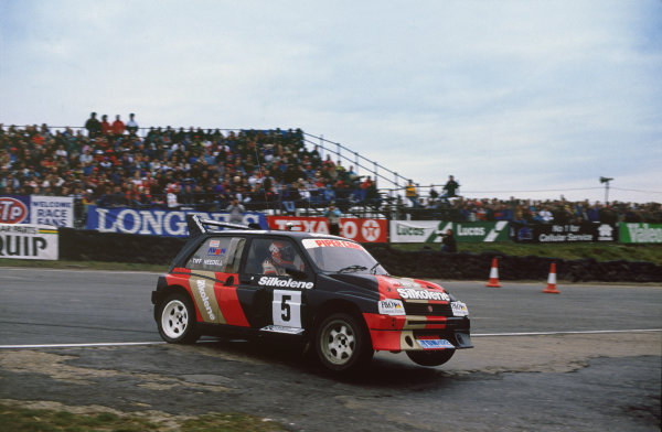 Brands Hatch, England. 4th December 1988.Tiff Needell (Metro 6R4), 4th position in the B Final, action. World Copyright: LAT Photographic.Ref:  88RallyX 01