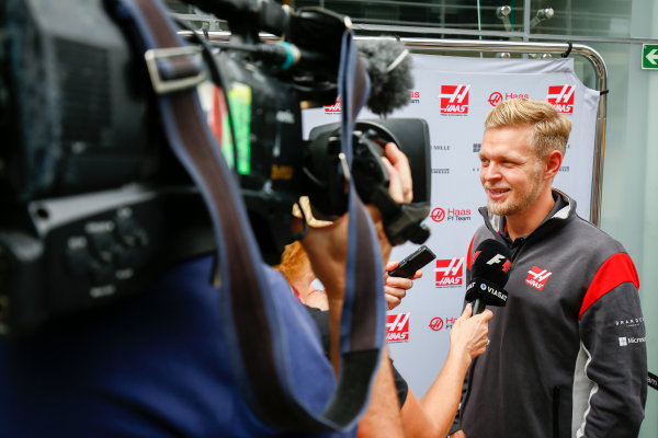 Interlagos, Sao Paulo, Brazil. Thursday 09 November 2017. Kevin Magnussen, Haas F1. World Copyright: Andy Hone/LAT Images  ref: Digital Image _ONZ2893