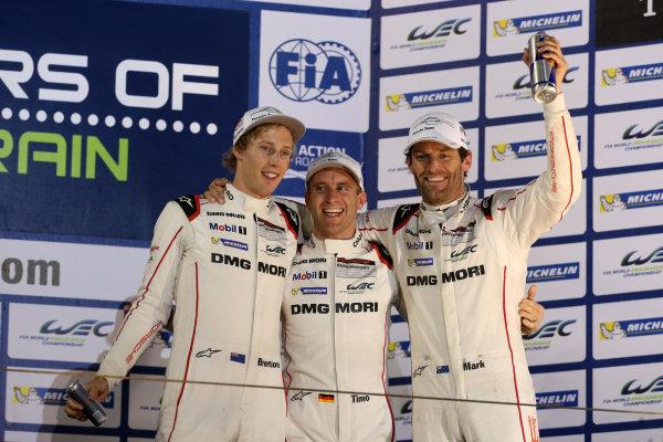2015 FIA World Endurance Championship, Bahrain International Circuit, Bahrain. 19th - 21st November 2015. Timo Bernhard / Mark Webber / Brendon Hartley Porsche Team Porsche 919 Hybrid. World Copyright: Jakob Ebrey / LAT Photographic.