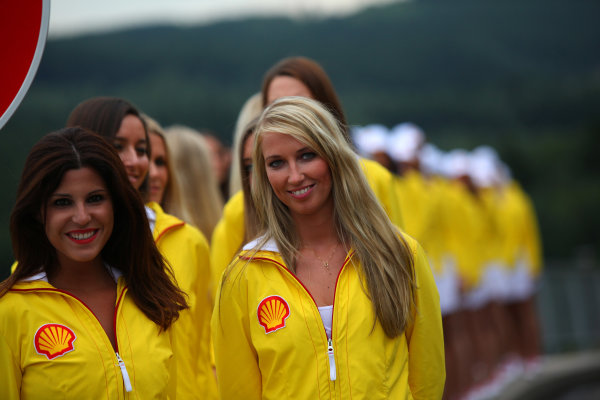 Spa-Francorchamps, Spa, Belgium. 24th August 2013. The Grid Girls get ready World Copyright: Sam Bloxham/LAT Photographic. ref: Digital Image IMG_8135.