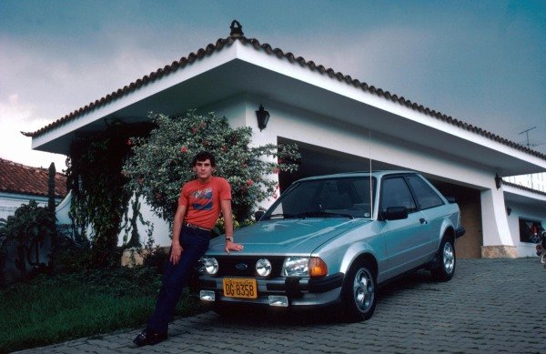 Ayrton Senna (BRA) at his home in Sao Paulo prior to his first Grand Prix.Formula One Drivers At Home, Sao Paulo, Brazil 19 March 1984.
