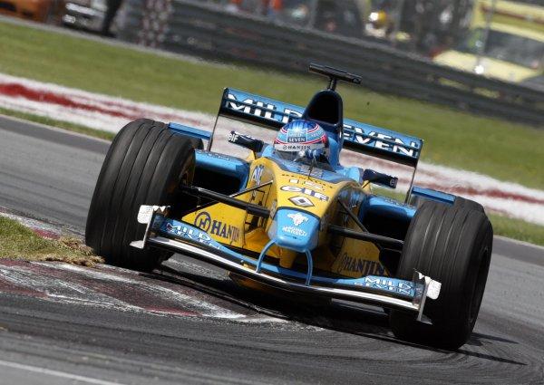 2002 Canadian Grand Prix - RaceMontreal, Canada. 9th June 2002Jenson Button (Renault R202).World Copyright: Steve Etherington/LATref: Digital Image Only