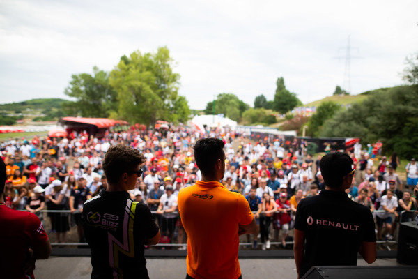 HUNGARORING, HUNGARY - AUGUST 02: Ye Yifei (CHI, Hitech Grand Prix) Felipe Drugovich (BRA, Carlin Buzz Racing)  and Alessio Deledda (ITA, Campos Racing) during the Hungaroring at Hungaroring on August 02, 2019 in Hungaroring, Hungary. (Photo by Joe Portlock / LAT Images / FIA F3 Championship)