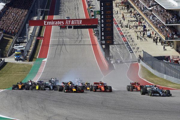 Race winner Valtteri Bottas, Mercedes AMG W10, leads Sebastian Vettel, Ferrari SF90, Charles Leclerc, Ferrari SF90, Max Verstappen, Red Bull Racing RB15 and Carlos Sainz Jr., McLaren MCL34 at the start